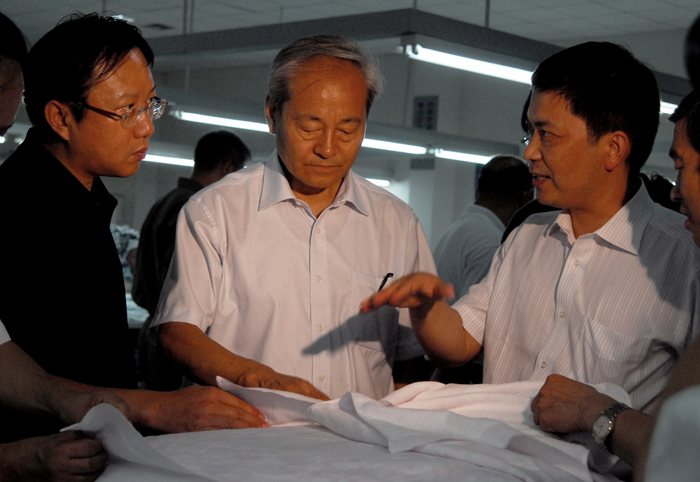 Mr. Du Yuzhou, President of the National Textile Industry Association, inspected Dadong
